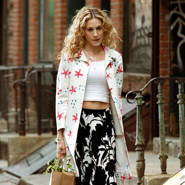 This Carrie Bradshaw-Approved Summer Sandal Is Making a Comeback