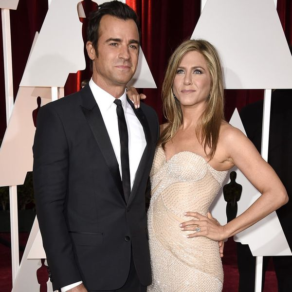 See Jennifer Aniston's Non-Traditional Wedding Ring + Similar Styles You Can Shop