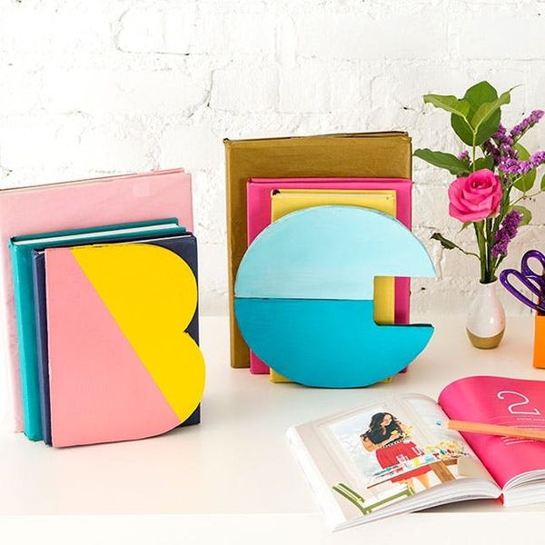 Keep Your Books Organized With DIY Color Block Bookends