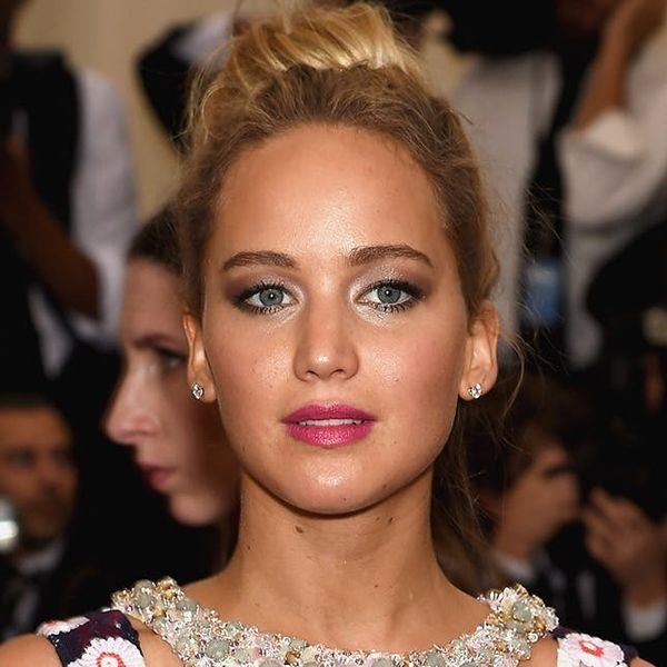 How to DIY the 5-Step Smokey Eye Stars Love Right Now