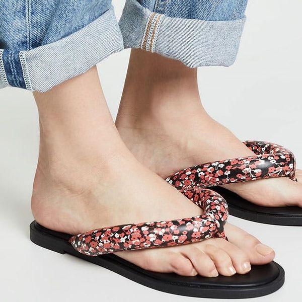 14 Non-Tragic Flip Flops for Summer 2019