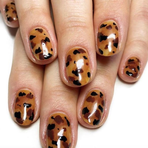 Tortoiseshell Nails Are Bringing the '90s Back
