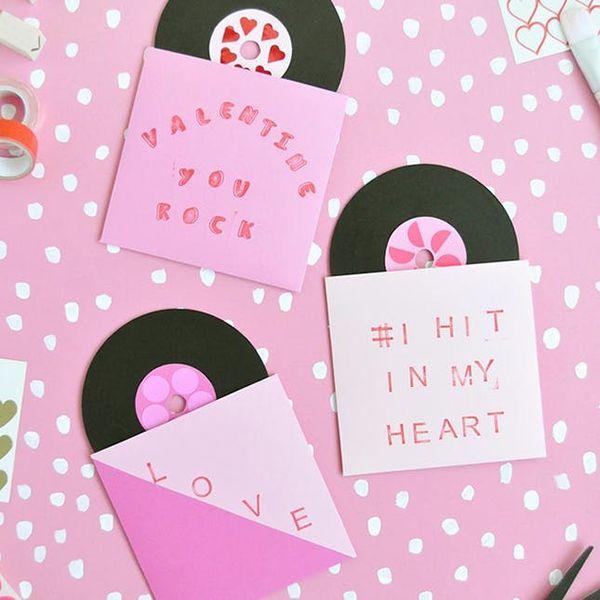 12 Punny Valentine's Day DIYs to Make Your BFFs LOL