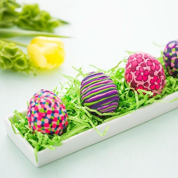 THIS Is the Secret to Decorating the Most Colorful Easter Eggs Ever