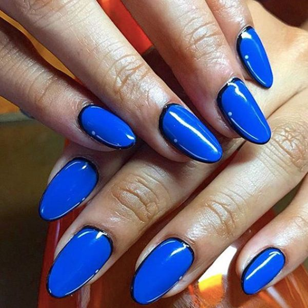 Outline Nails Are the Minimalist Manicure Trend You've Been Waiting For