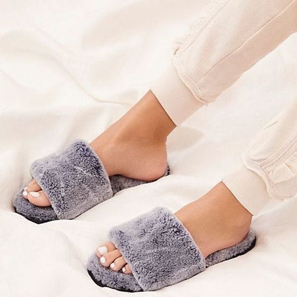 12 Cozy Pairs of Slippers You'll Love in This Winter