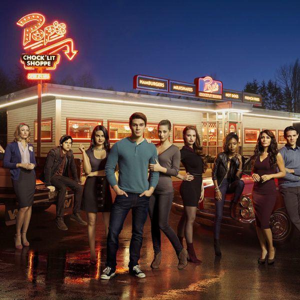 Binge-Worthy Bulletin: 8 Reasons We're Obsessed With 'Riverdale'