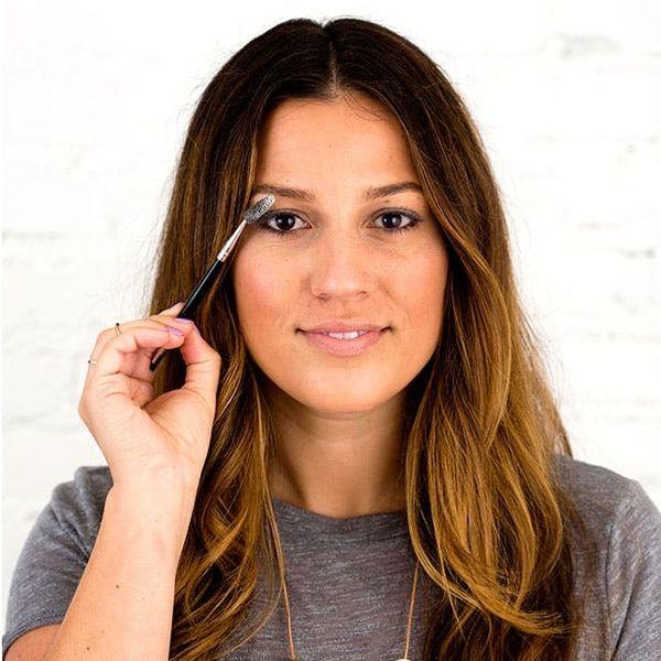 Beauty Mythbuster: Does Baby Powder REALLY Make Eyelashes Look Longer?