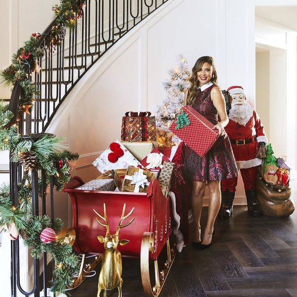 Vanessa Lachey's 9 Holiday Hosting Hacks She Wants You to Know