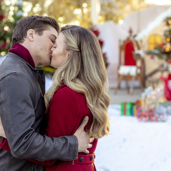 Everything You Need to Know About Hallmark's 2018 Countdown to Christmas Movies
