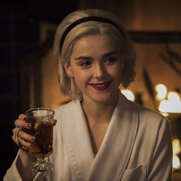11 First-Look Photos from the 'Chilling Adventures of Sabrina' Holiday Episode