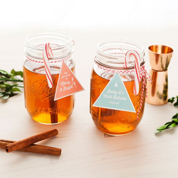 This Mason Jar Cocktail Is the Best Stocking Stuffer Idea for Adults
