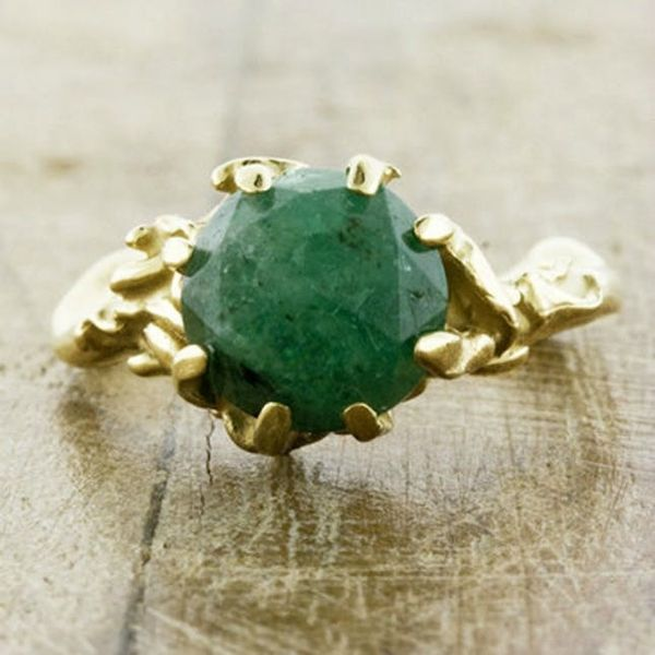 24 Gorgeous Emerald Engagement Rings for the Alternative Bride