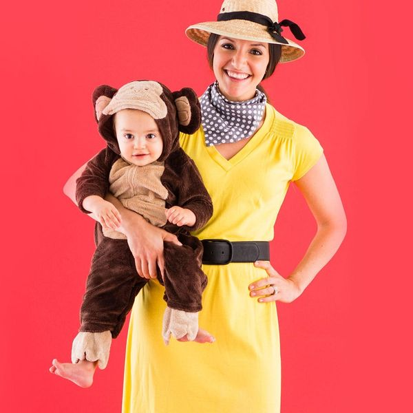 6 Extremely Easy and Adorable Costumes for Mom and Baby