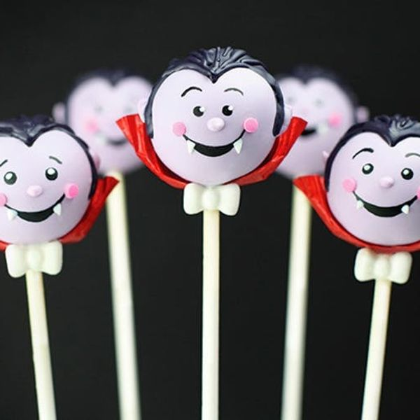 Love Halloween Cake Pops? There's a Whole BOOK for That!