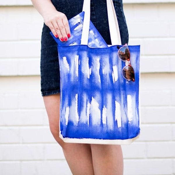 How to Create Your Own Faux Shibori Tote and Pouch