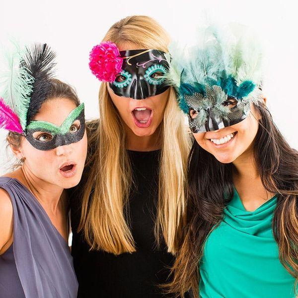 5 Ways to Make a Hot Halloween Mask