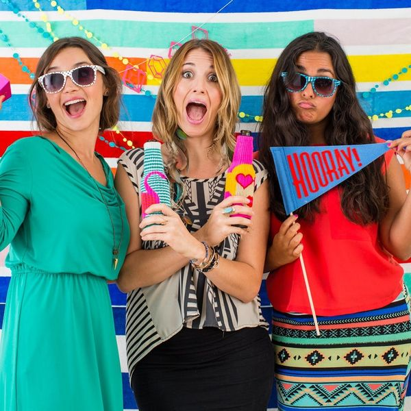5-Minute DIY: Make a Super Summery Photo Booth