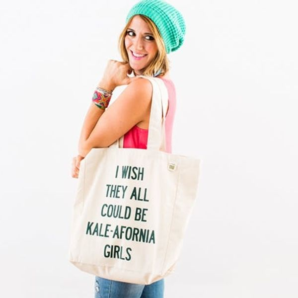 10 Typographic Totes That Talk Back