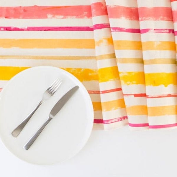 8 Ways to Make Your Summer Tabletop Pop