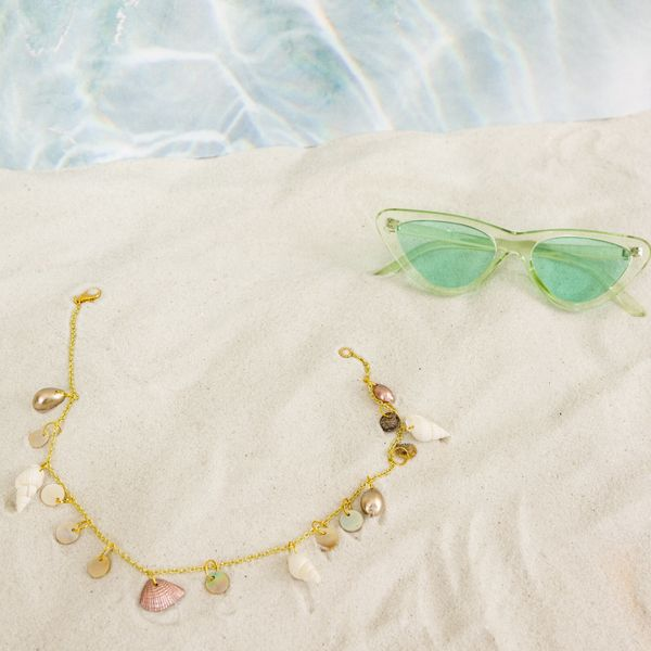 Channel Your Inner Mermaid With This DIY Seashell Choker