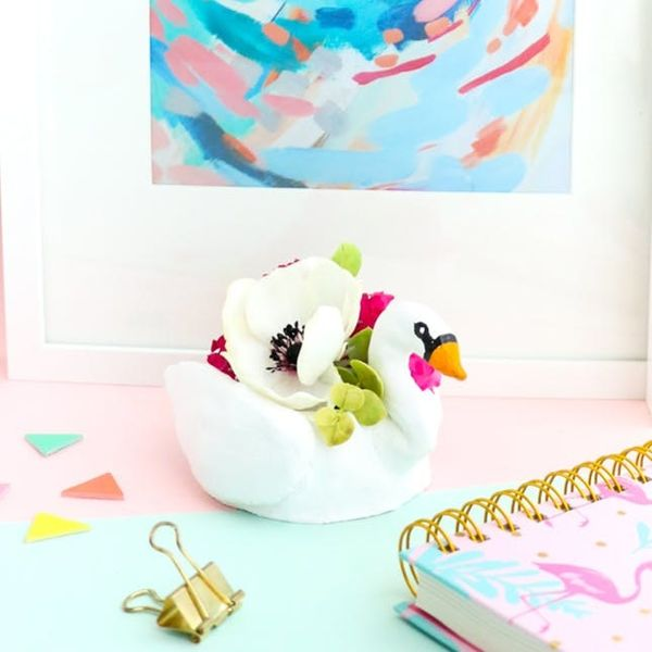 10 Pool Float DIYs to Keep Summer Going All Year Long