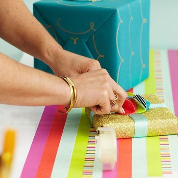 12 Last-Minute Holiday Gift Wrap Hacks