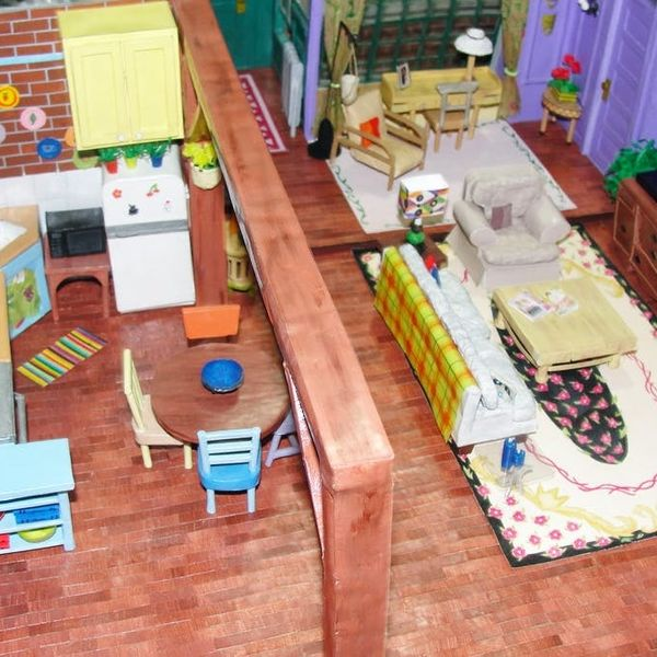 """Made Us Look: A Paper Replica of the """"Friends"""" Apartment"""
