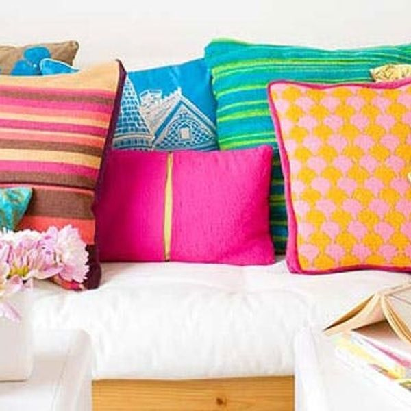 12 Unbelievably Colorful Living Rooms