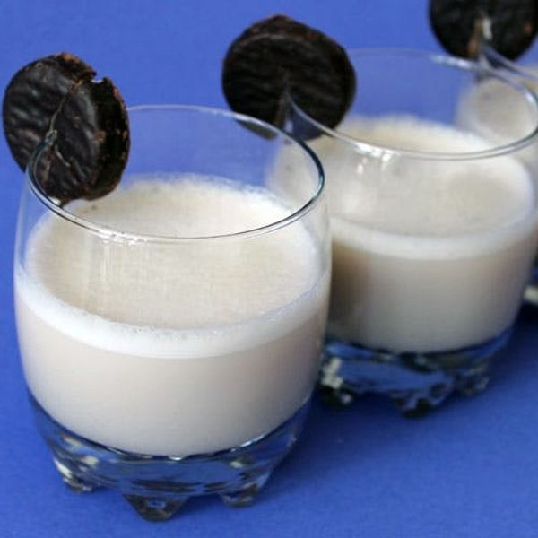 The (Holiday) Dude Abides: Make This Peppermint Pattie White Russians Recipe