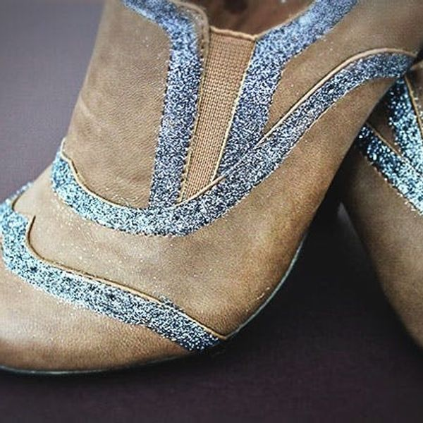 DIY Glitter Oxfords: Glam Up Your Kicks