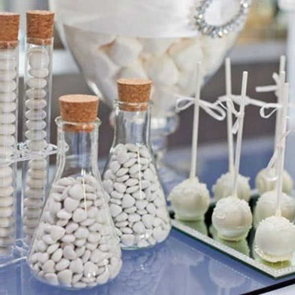 """How to Throw a Chic """"All White"""" Party"""