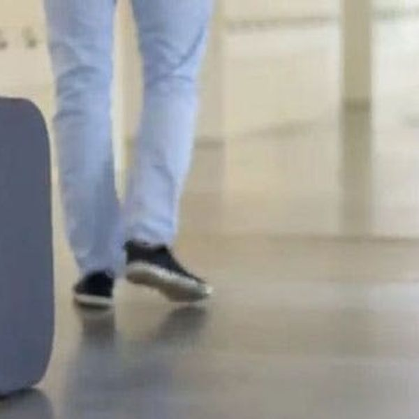 A Suitcase Designed for the Jetsons