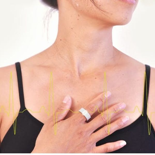 A Chic Piece of Jewelry That Keeps You Healthy? Want!