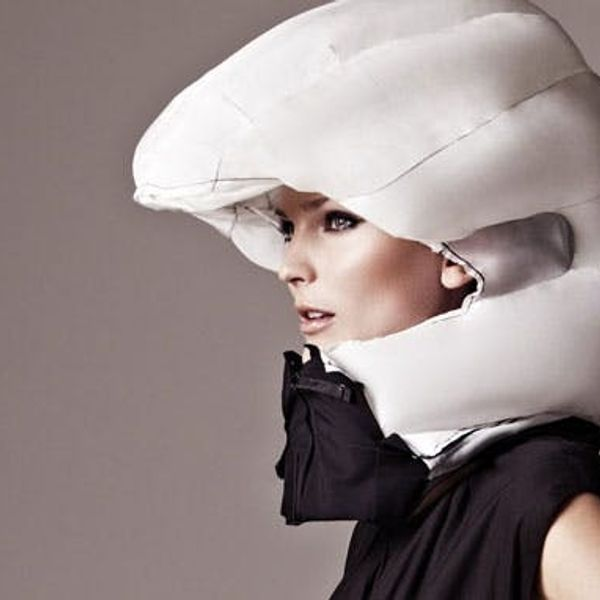 An Inflatable Helmet That Protects Your Style and Your Neck