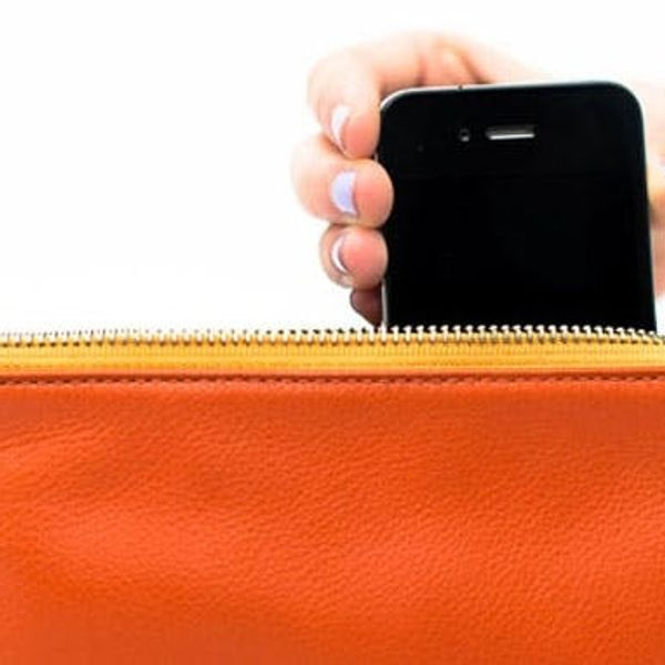 Everpurse Charges Your iPhone All Day Long