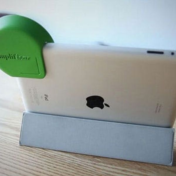 The Amplifiear Amplifies Sound on Your iPad
