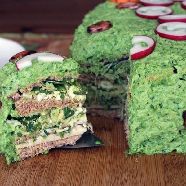 A Sandwich Cake Recipe for Dr. Seuss!