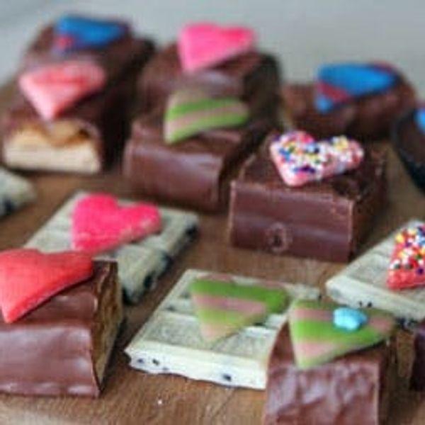 How to Turn Candy Bars into Handmade Valentine's Treats