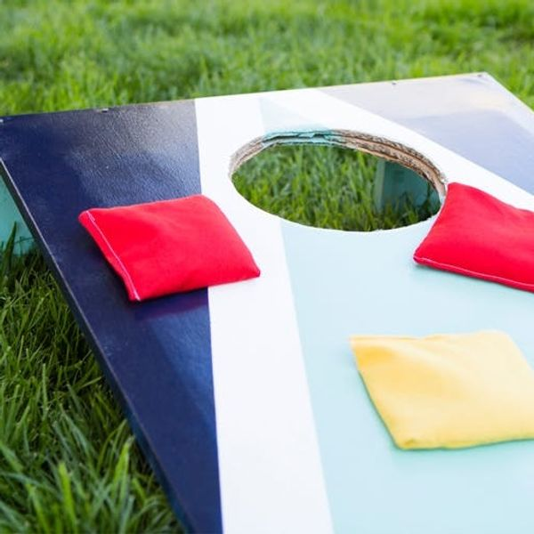 How to DIY Your Very Own (+ Very Portable) Cornhole Game!