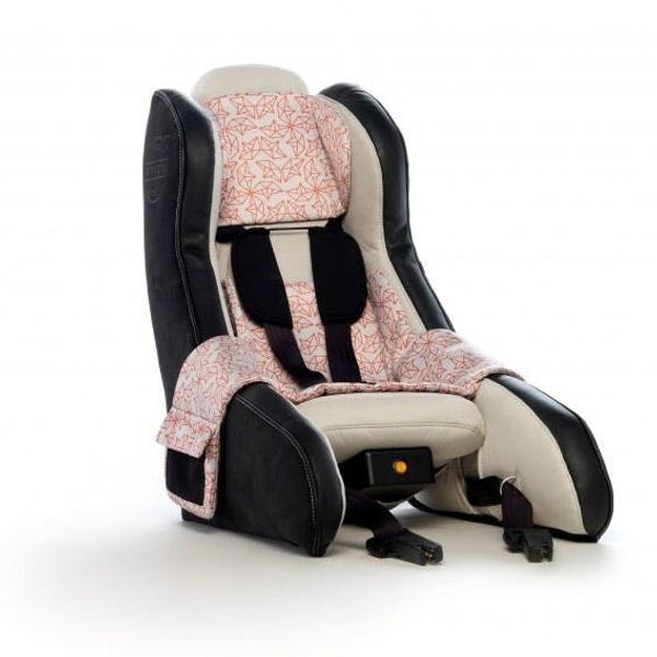 Volvo's New Child Car Seat Inflates in Under a Minute!