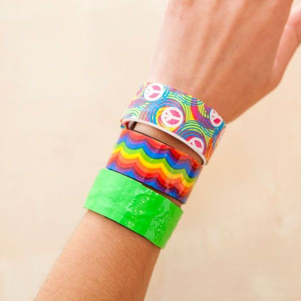 These Duct Tape Slap (Snap?) Bracelets Are ALL THAT!