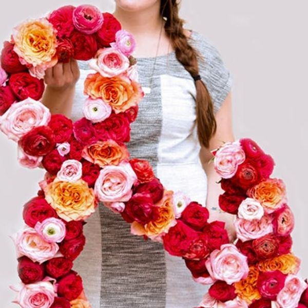 Shoutout: How to Make an Ampersand Out of Fresh Flowers