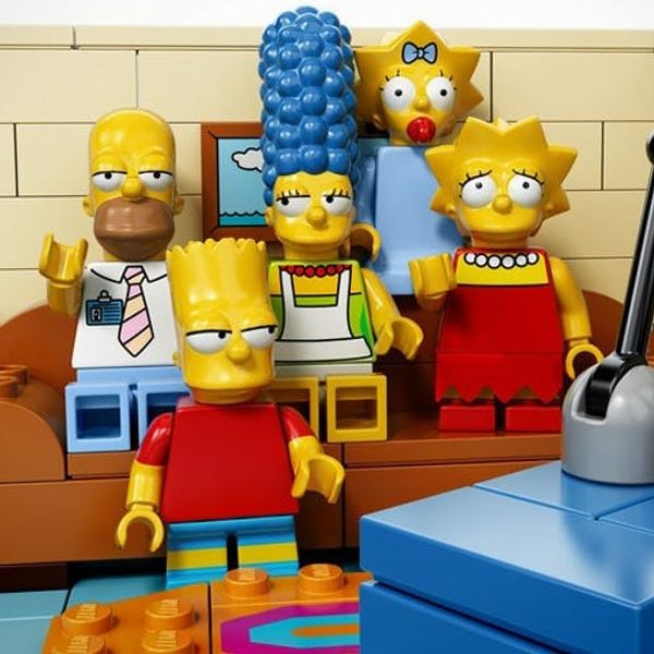 Made Us Look: LEGO x The Simpsons = Awesome!