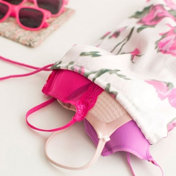 Easy Peasy DIY Travel Bags (+ Make Something Pink to Support Breast Cancer Awareness!)