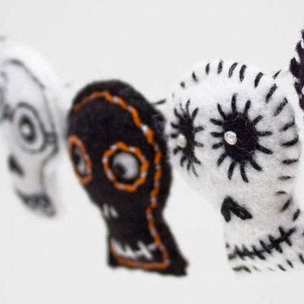 20 Festive Halloween Garlands You Can Buy and DIY