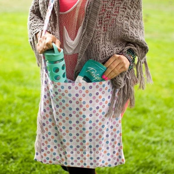 Make a Tote Bag That Transforms into a Picnic Blanket