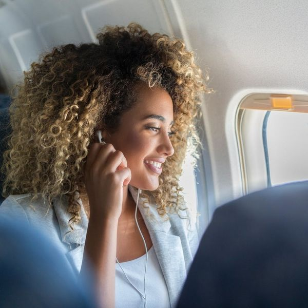 This Is the Secret to Looking Fresh on a Long-Haul Flight