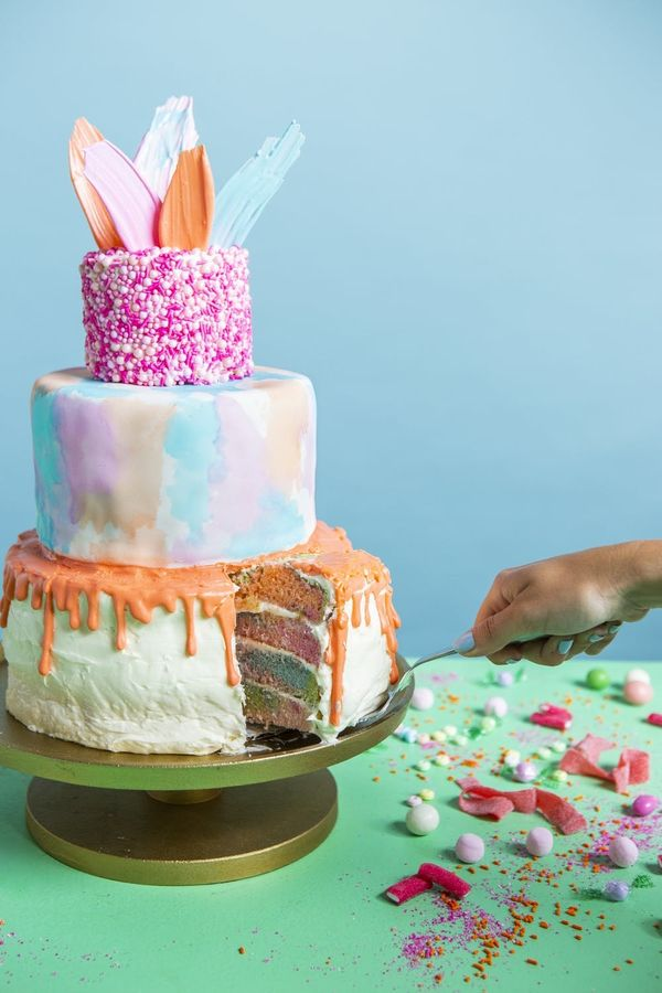 Check Out These Baking Hacks for Making a Showstopping Cake
