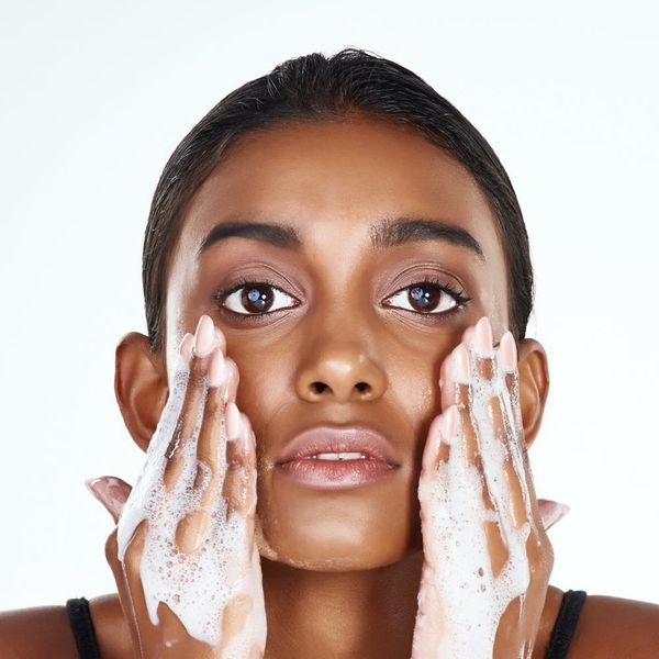 You're Washing Your Face Wrong — Here Are 10 Ways to Do It Right!